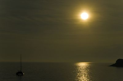 A Pleasant Evening by Gabriel Villena (via Flickr)